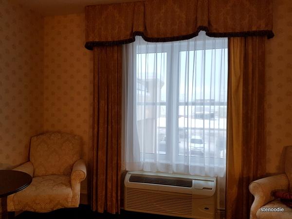 Comfort Inn & Suites Saint-Nicolas, Quebec window