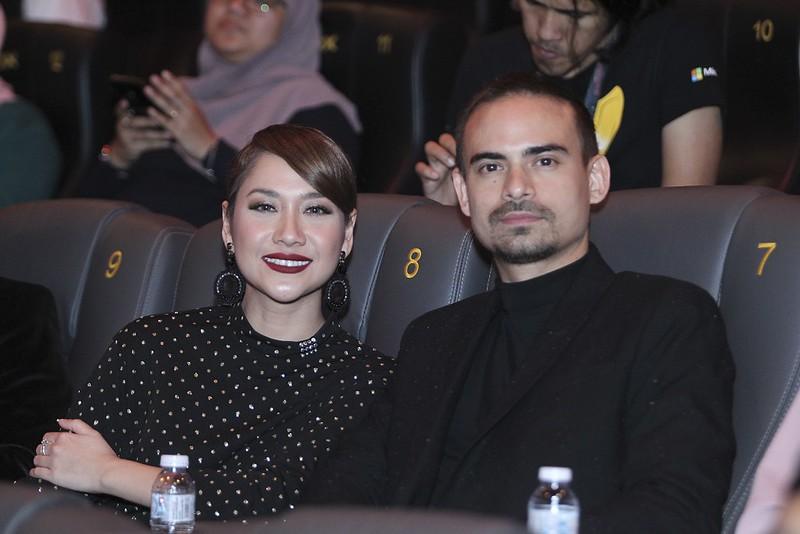 Bunga Cinta Lestari turut hadir menyokong suaminya, Ashraf Sinclair dalam DOSA
