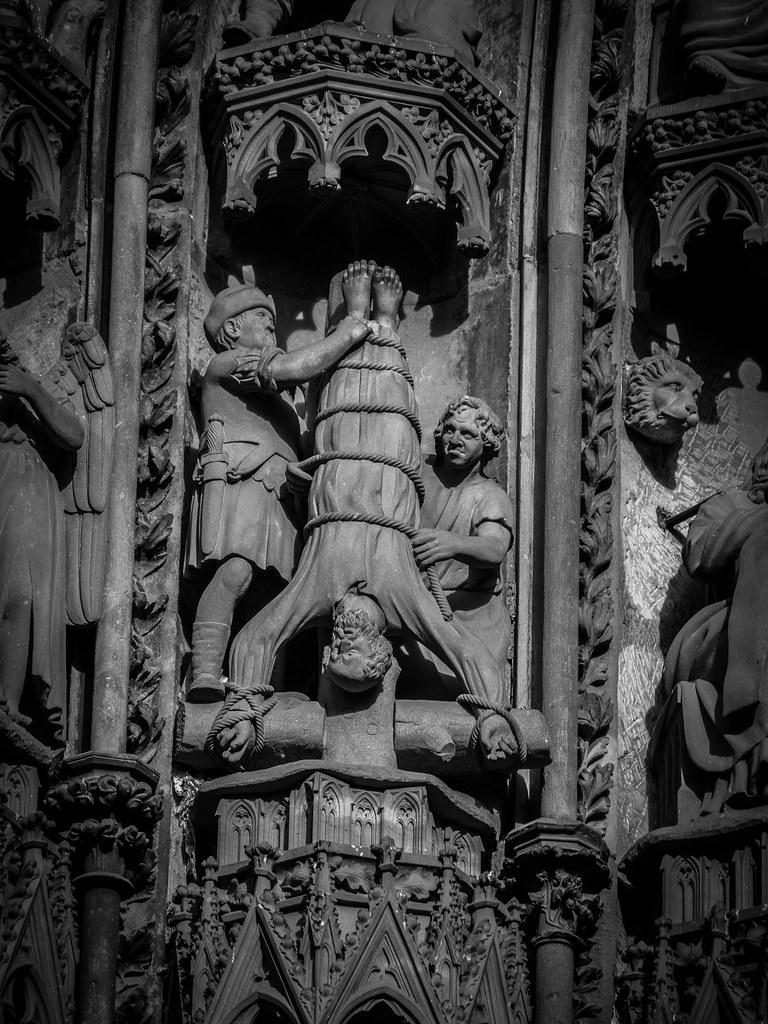 Martyr de Pierre (martyr de pierre...) + NB 25186574667_edfc410ebb_b