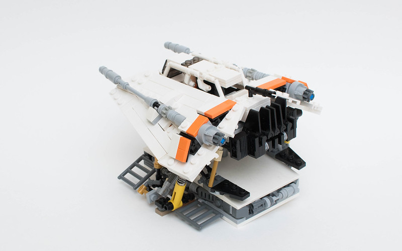 LEGO Snowspeeder - Airspeeder T-47 | back