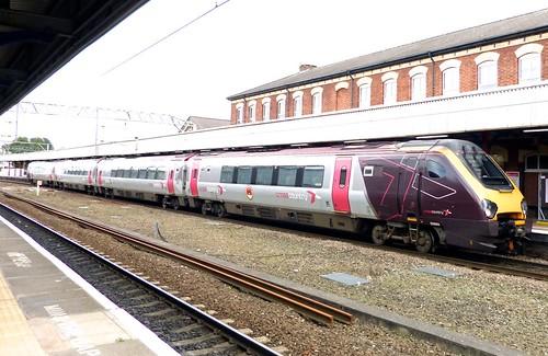Class 220 'cross country' No 220009. Bombardier Voyager DMU on Dennis Basford's railsroadsrunways.blogspot.co.uk'