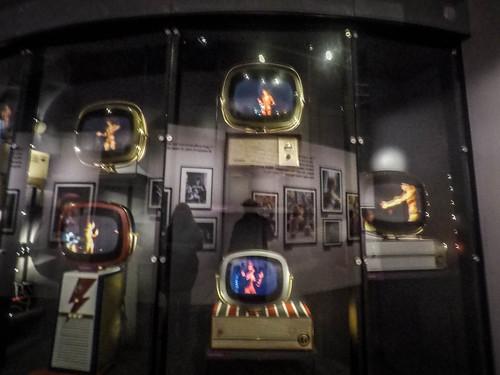 David Bowie Exhibit-003