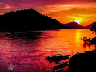 Sunset Contrasts  #laos #cambodia #4000islands #southeastaaia #asia #travel #sunset #contrast #nakedplanet #passionpassport #fantastic_earth #ig_color #colorsplash #skysultans #skybrilliance #photooftheday #igers #instagood #summerday #adventure #adv