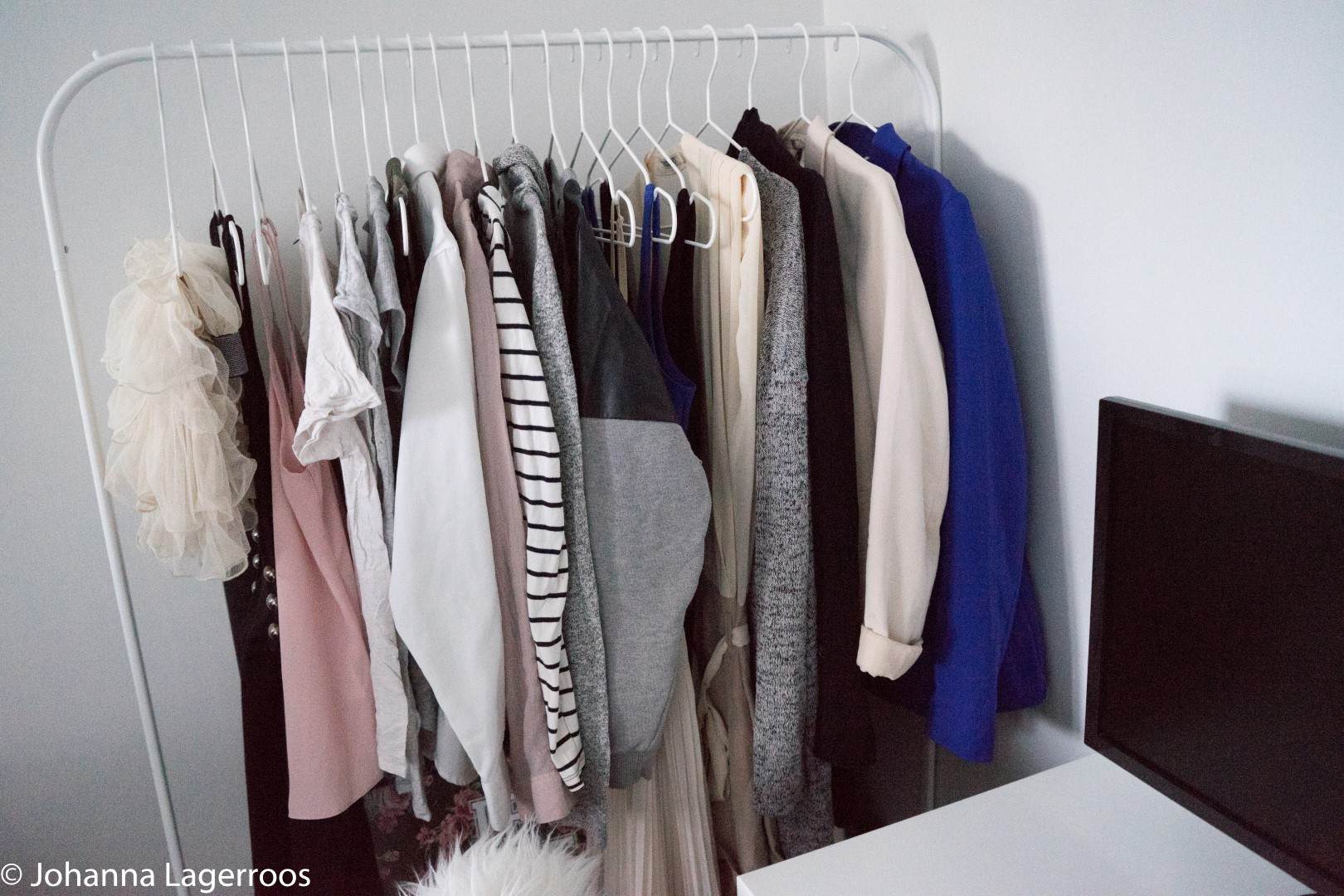 capsule wardrobe items