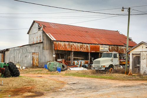 canon 6d sigma 50mm14 art lens townvillesc southcarolina upstate rural country roads cotton gin relic vintage vanishing rustic southernlife southern america usa scenic landscape barn farm crop