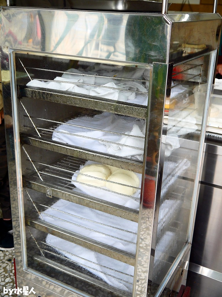40000679741 584dc2ec9c b - 上圓早點 手工現桿脆皮蛋餅、蔥油餅,還有飯糰、饅頭、韭菜盒子