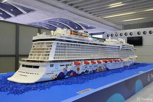 """Largest LEGO ship """"DREAM CRUISES"""""""