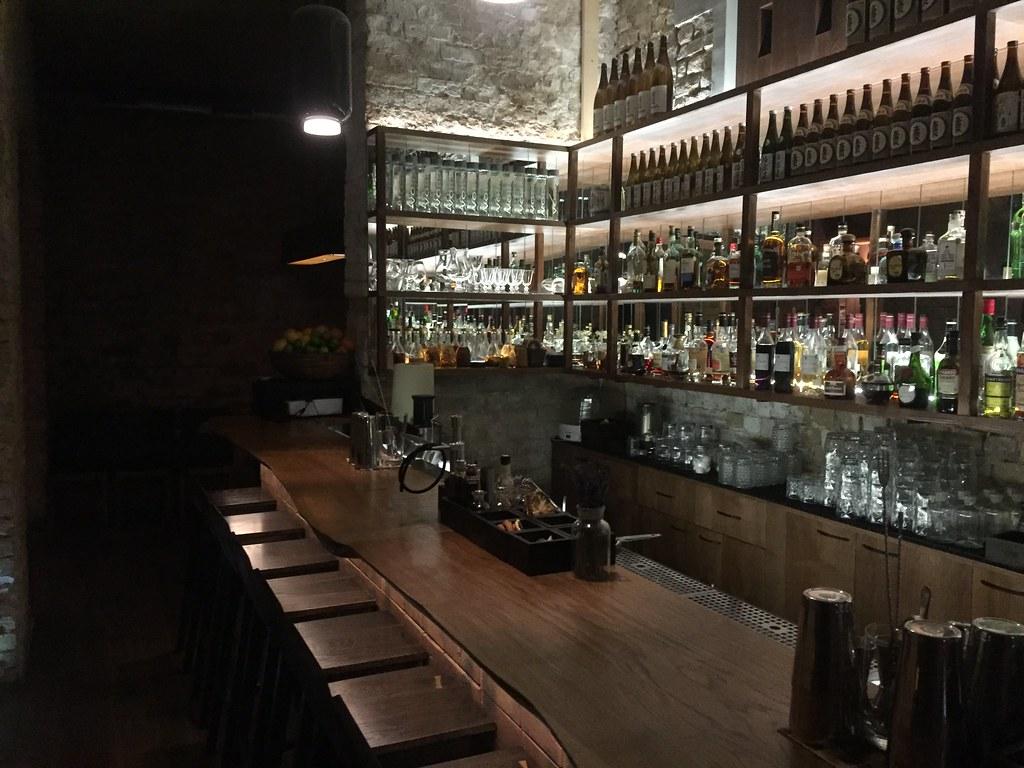 интерьер ресторана COD - ROBATA GRILL BAR