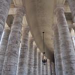 Largo del Colonnato - https://www.flickr.com/people/132466470@N05/
