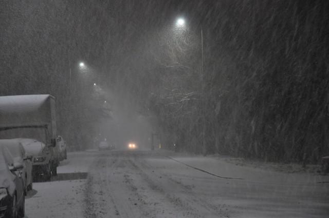 Overnight snow driving in, Nikon D90, AF-S DX Zoom-Nikkor 18-70mm f/3.5-4.5G IF-ED