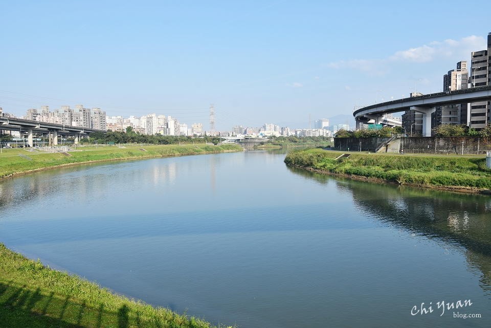 [台北]南港─內湖基隆河畔自行車道。漫步河岸,享開闊視野