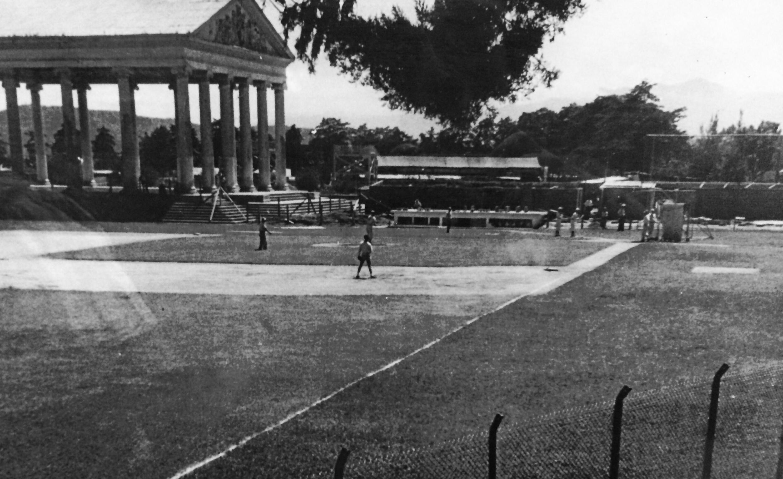 Templo de Minerva y parque de Beisbol en 1940.