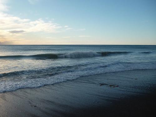 Miniscule surf.