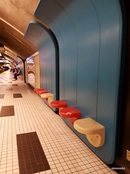 Plamondon subway built-in seats