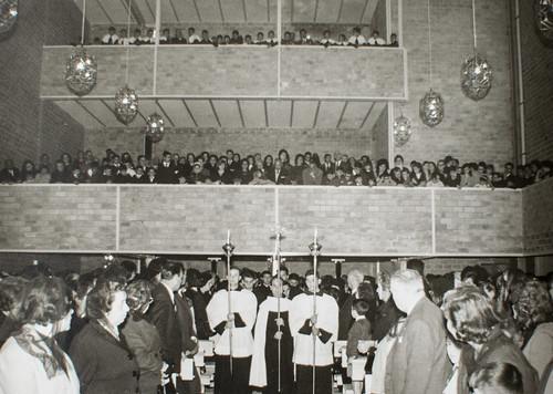25 de marzo de 1965 - Día de la inauguración [6] - Y el pueblo que ama a sus carmelitas.