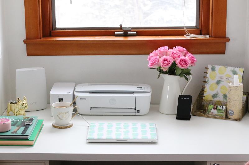desk-table-top-netgear-orbi-printer-macbook-7