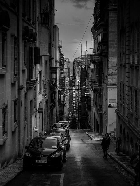A Valletta Street, Panasonic DMC-GX7, Lumix G Vario 14-45mm F3.5-5.6 Asph. Mega OIS
