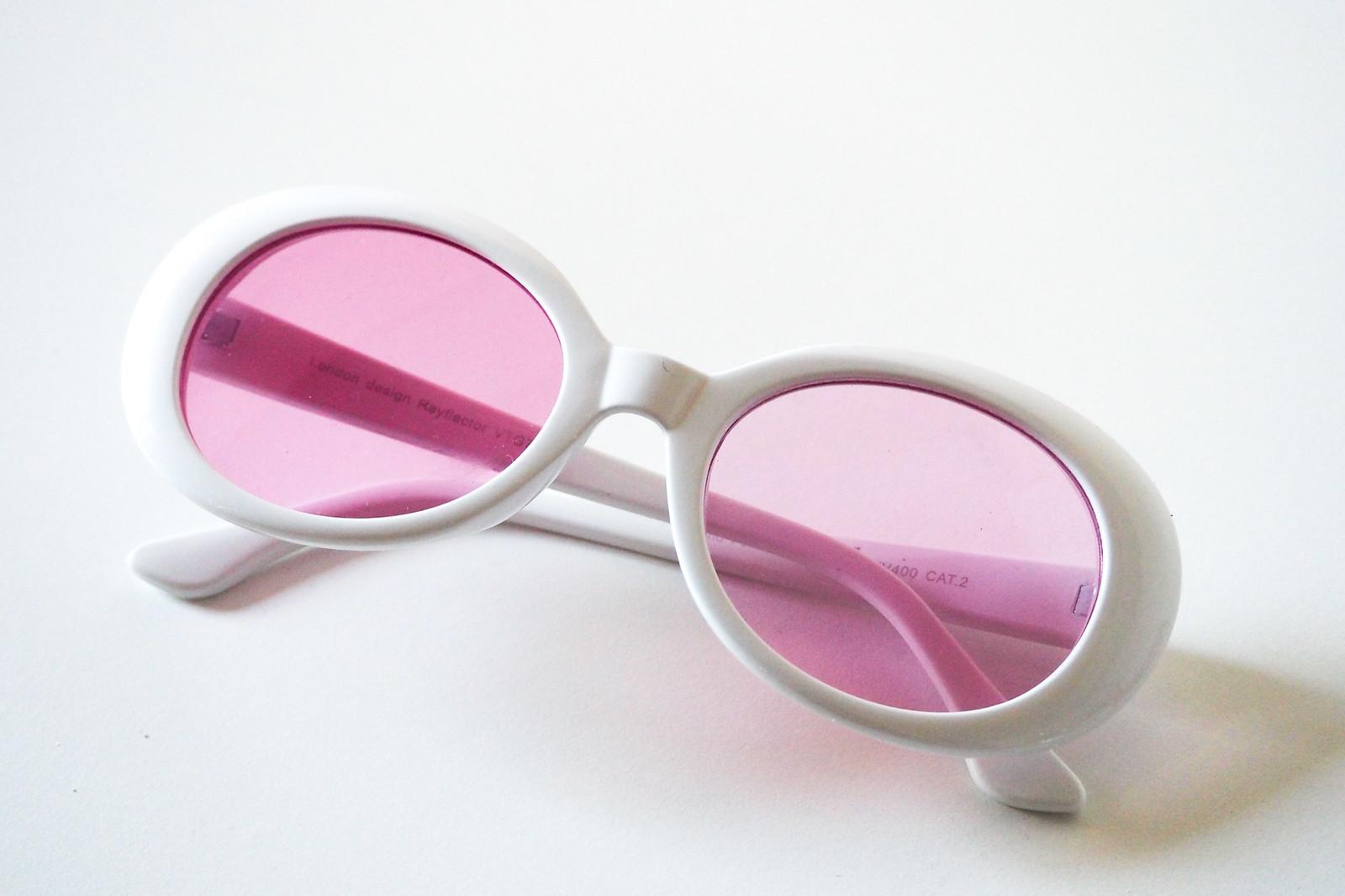 60's inspired sunglasses pink, vaaleanpunaiset 60-luvun aurinkolasit