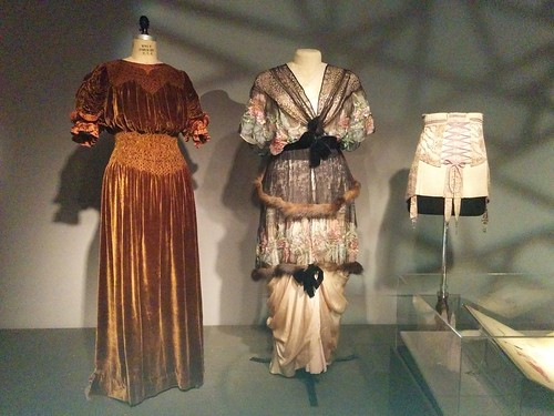 Early 20th century, including the Liberty of London #newyorkcity #newyork #manhattan #fashion #museumatfit #fashionandphysique #libertyoflondon #corset #latergram