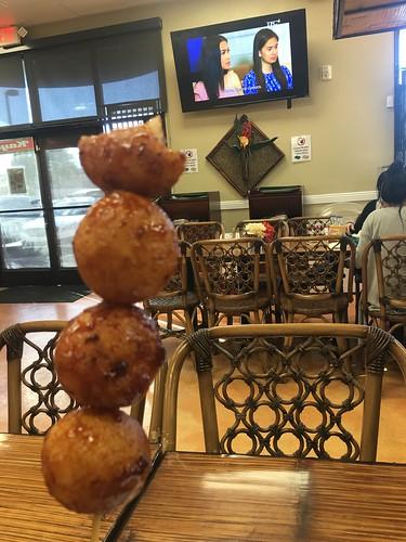 Karioka balls dessert