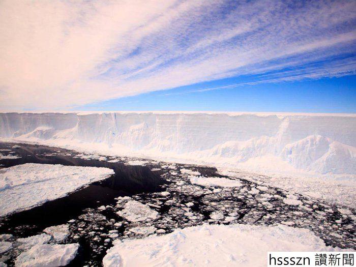 142-iceberg-larsen-a-68-hidden-ecosystem-1_700_525