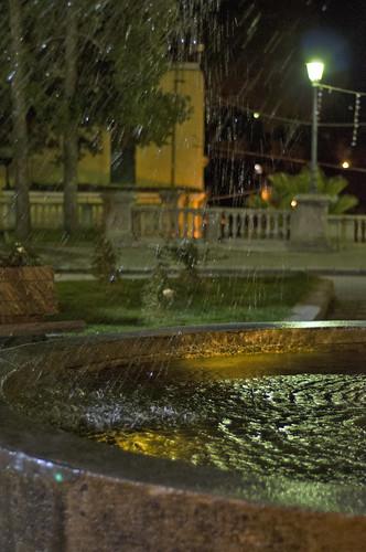 Giochi di luce nella fontana
