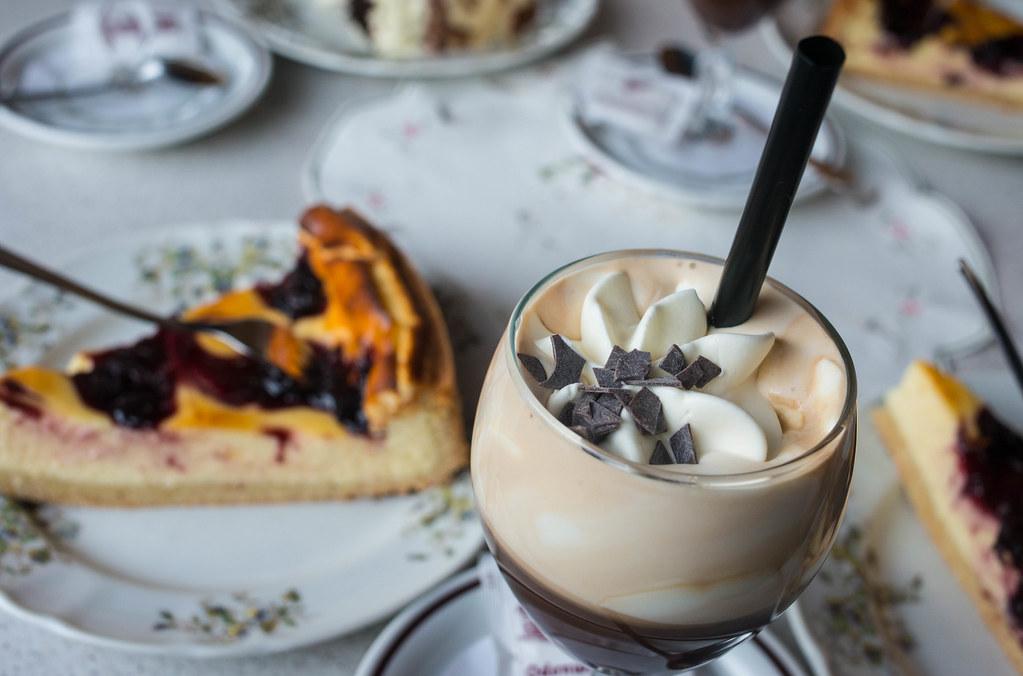 Kaffee und Kuchen im Cafe Odenwald