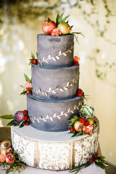 Wedding Cakes : The perfect fall wedding cake: www.stylemepretty... | Photography: Betsi Ewing -...