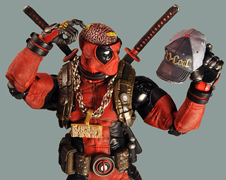 這樣的死侍玩起來一定超嗨~!NECA Marvel Comics【終極死侍】Ultimate Deadpool  1/4 比例可動人偶