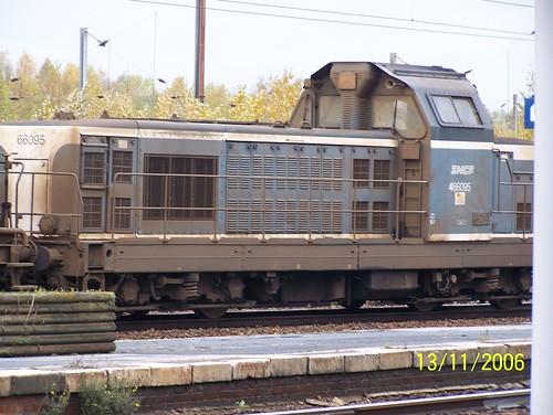 BB 66095 à Jeumont en charge d'une rame desherbeuse