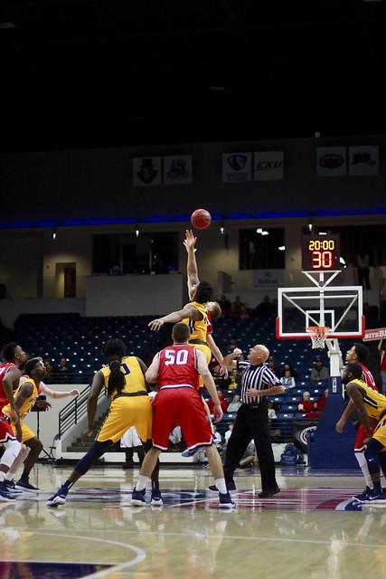 Men's Basketball vs Murray State
