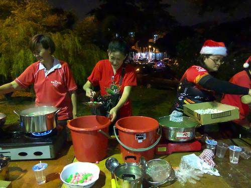 Cooking Tang Yuan