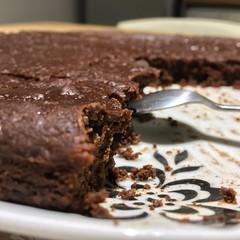Moelleux fondant au chocolat, sans sucre, sans beurre et sans gluten! Excellent! Merci @lalignegourmande pour la recette #chocolate #softcake #cake #chocolatecake #yummy #yum #nosugar #nogluten #nobutter #sweet #dessert #goodmorning #tasty #tastyfood