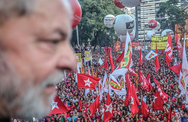 Povo com Lula em ato pela democracia na Praça da República, em São Paulo - Créditos: Ricardo Stuckert
