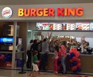 86985778872d8 Mix Gastronômico  Burger King inaugura nova unidade no North Shopping Sobral  Unidade é a primeira da marca no interior e na Região Norte do Estado