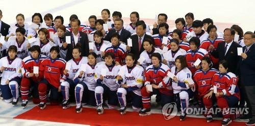 040717_womens_hockey_01