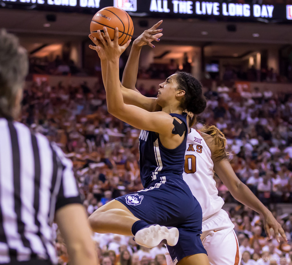 University of Texas Longhorns basketball vs UConn Huskies