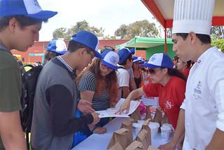 Más de 700 personas, entre jóvenes y padres de familia, se congregaron en nuestro campus de Pachacámac para conocer la oferta académica de las ocho facultades de la Universidad San Ignacio de Loyola...