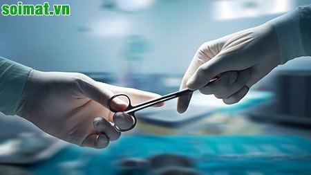 Phẫu thuật lấy sỏi thường được chỉ định khi sỏi mật gây biến chứng