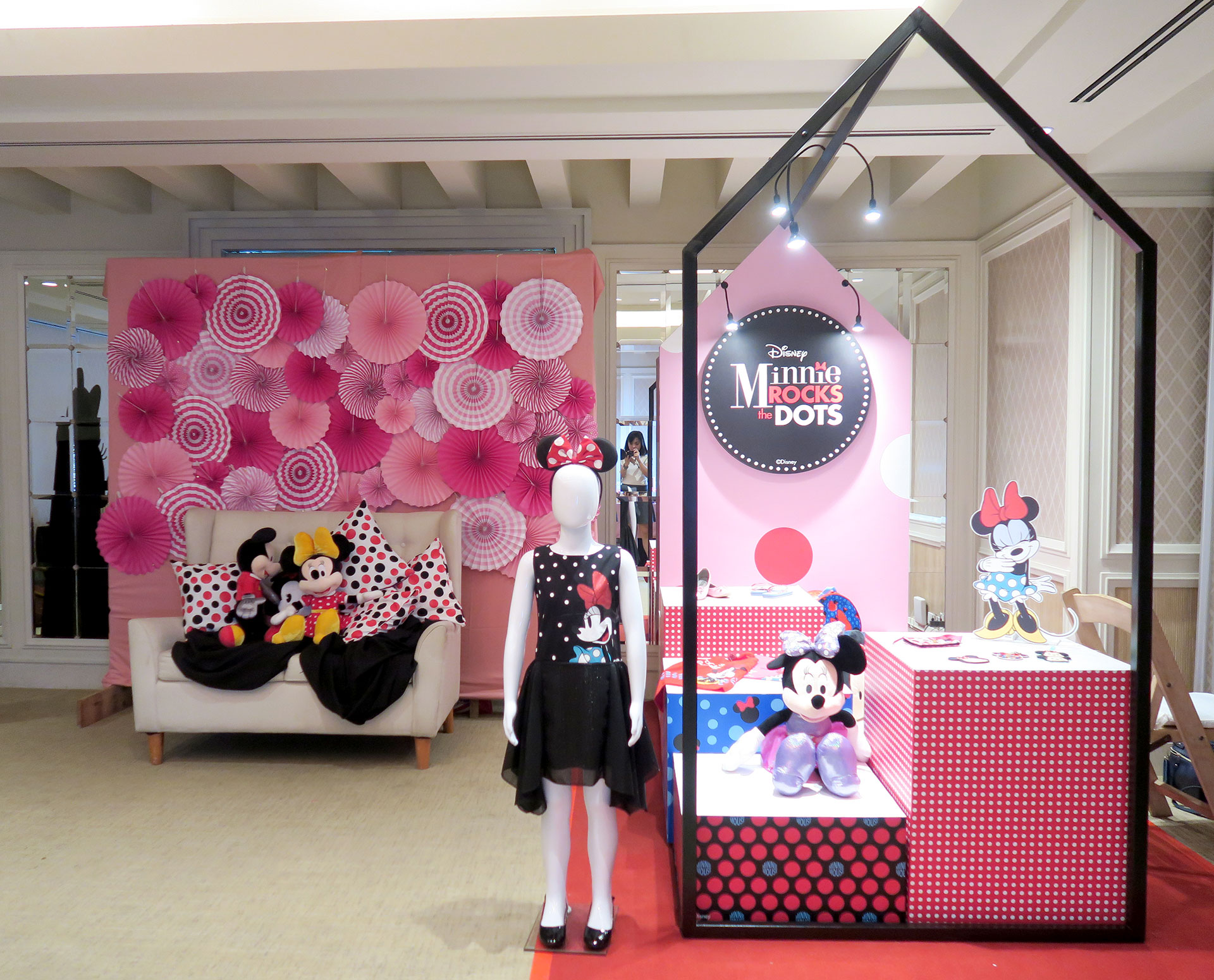 10 Girlstuff Minnie Mouse Nail Lacquers Collection Review Swatches Photos - Gen-zel She Sings Beauty