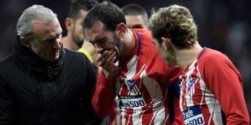 Diego Godin Akan Absen Tiga Pekan Karena Cedera Parah Pada Saat Melawan Valencia