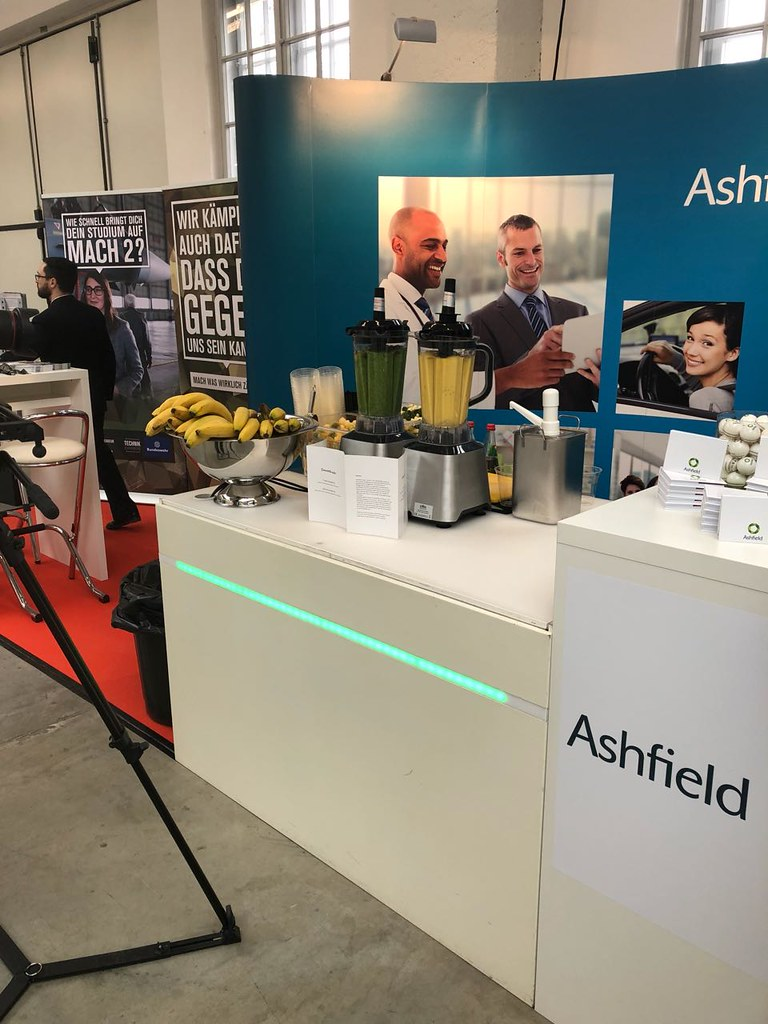 "#Hummercatering #Event #Cratering #Smoothie an unserer #mobilen #Smoothiebar für #Ashfield auf dem #Jobvector career Day #Eventlokation #MVG #Museum #Muenchen #cgn > #muc Mehr #Infos unter https://koeln-catering-service.de/smoothie-catering/messe-event-sm • <a style=""font-size:0.8em;"" href=""http://www.flickr.com/photos/69233503@N08/40551842801/"" target=""_blank"">View on Flickr</a>"