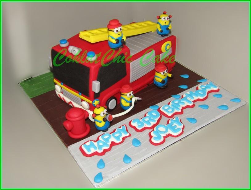 Cake Firetruck JOEY 20 cm