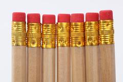 Bleistifte mit Radiergummi