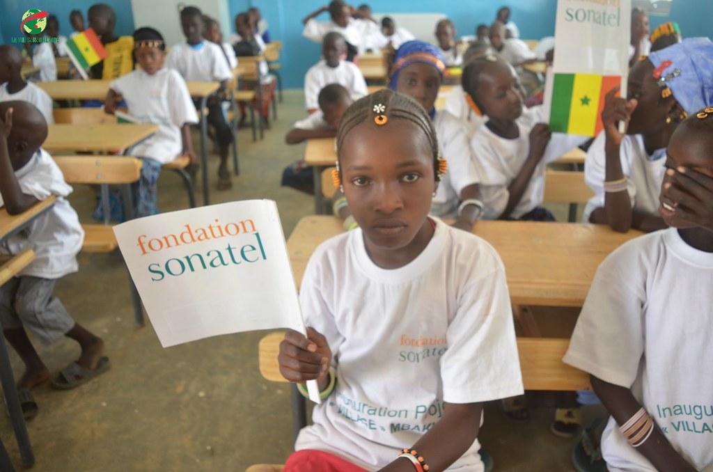 Inauguration d'infrastructures  de base à Mbakhna Par la Fondation SONATEL (8)