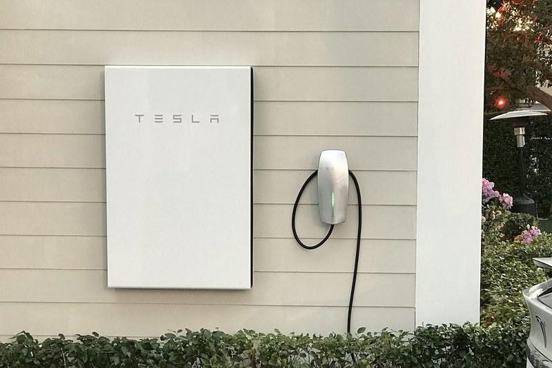 La dernière expérience de Tesla en matière de réseau électrique intelligent commence au Canada
