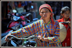 Au Marché de 'Lang Son' au Nord Vietnam . At the 'Lang Son' Market in North Vietnam.