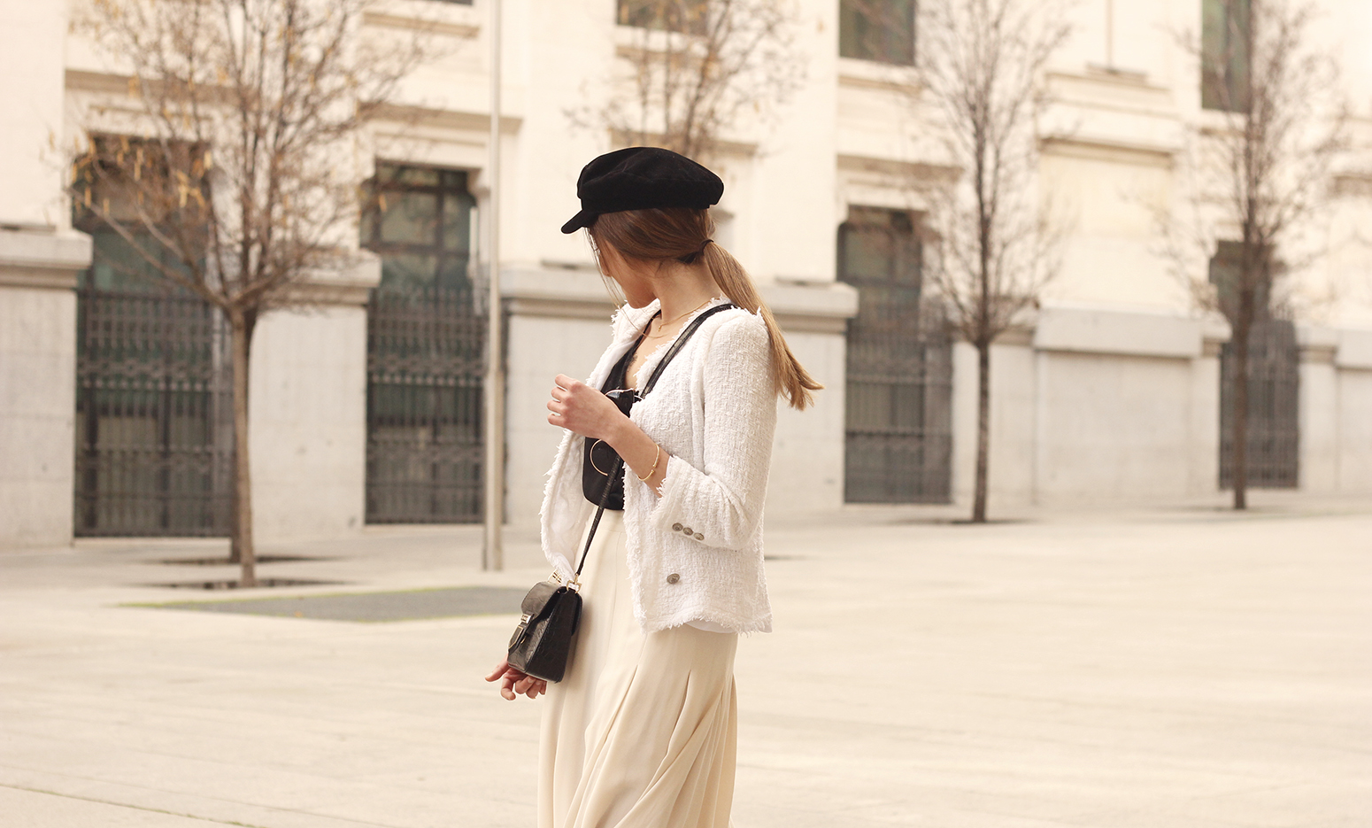 midi blush skirt white tweed jacket givenchy bicolor uterqüe boots winter outfit08