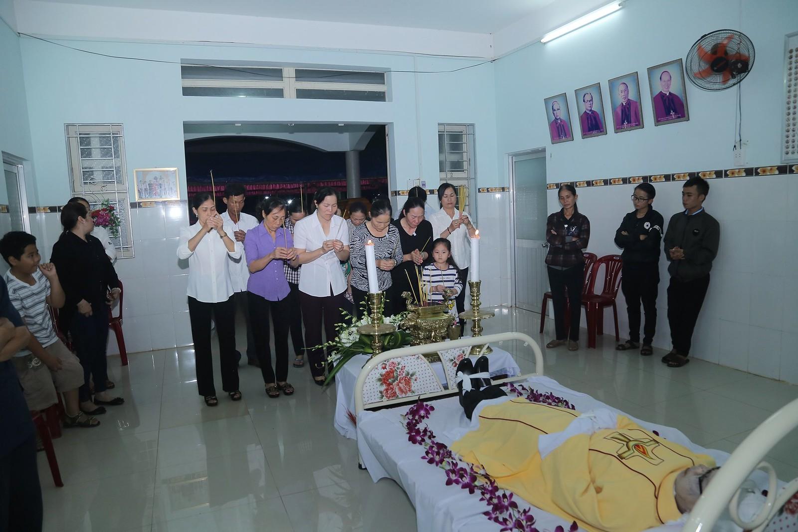 Cầu nguyện cho linh hồn Cha Giuse Đặng Đình An, Cha qua đời vì tai nạn giao thông - Ảnh minh hoạ 6