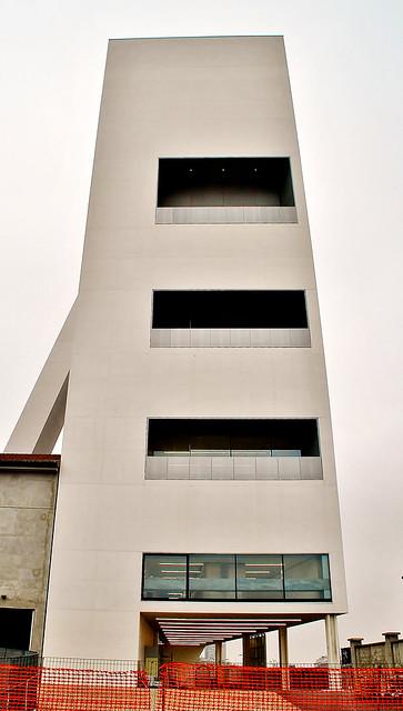 Milán Largo Isarco 2 Fondazione Prada OMA Rem Koolhaas 2013-15Torre -18. 171112. 21652
